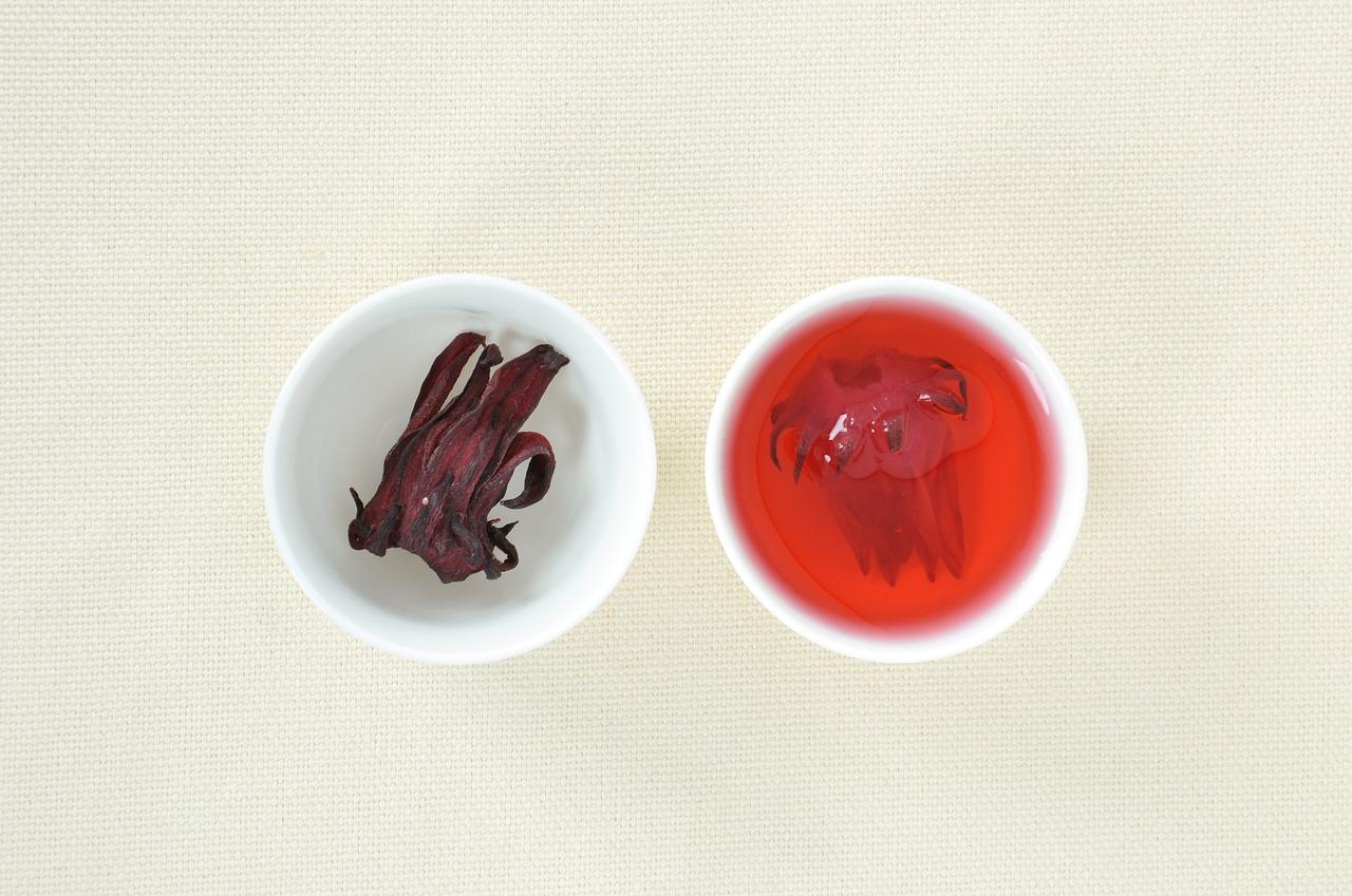 Jak parzyć herbatę z hibiskusa