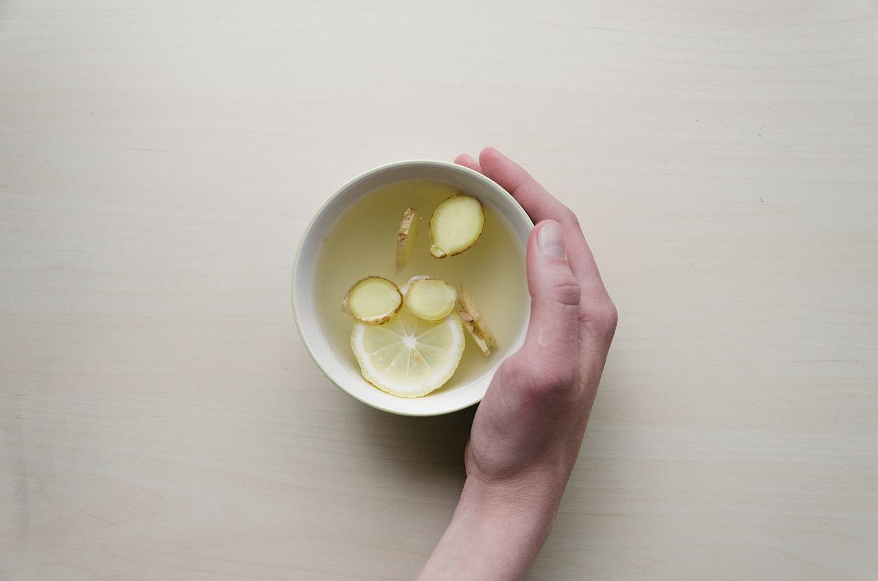 Jak podawać imbir do herbaty